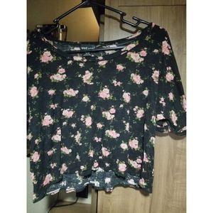 Loose Fitting Floral Crop Top Wet Seal Size S